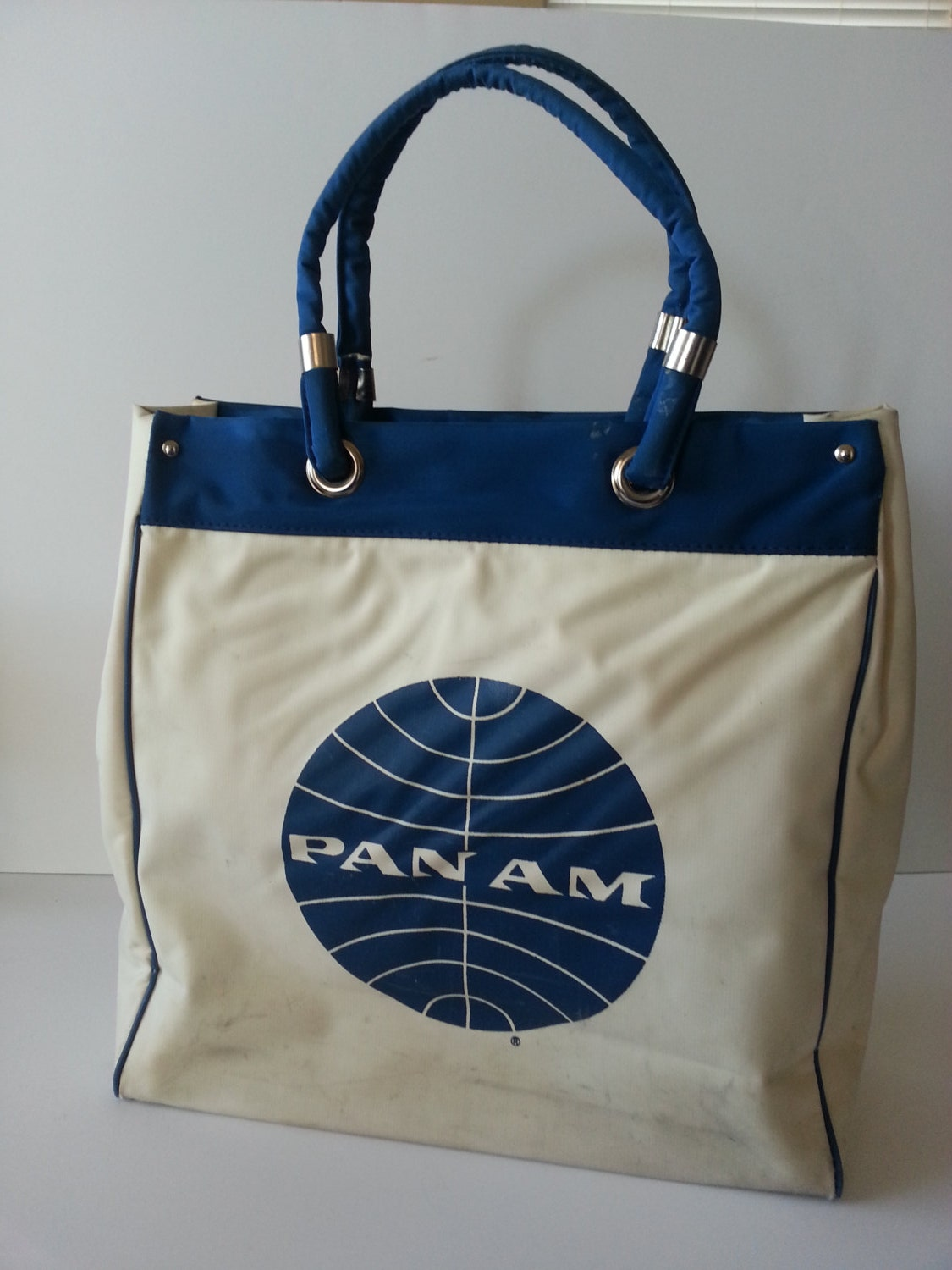 vintage airline tote luggage carry on bag pan am by spotteddog1. Black Bedroom Furniture Sets. Home Design Ideas
