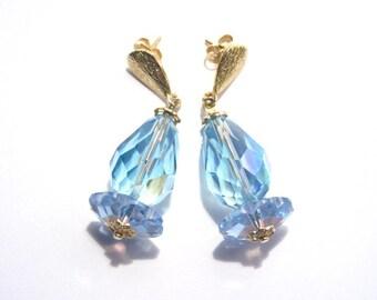 Light Blue Margarita Crystal Dangle Earrings Pierced Gold Tone Vintage