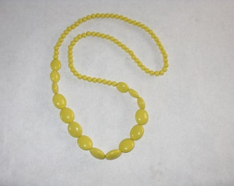 Vintage large bead yellow necklace long bright