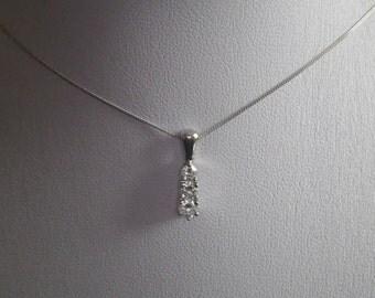 Beautiful Sparkling 18ct White Gold Triple Diamond Necklace Chain Pendant.
