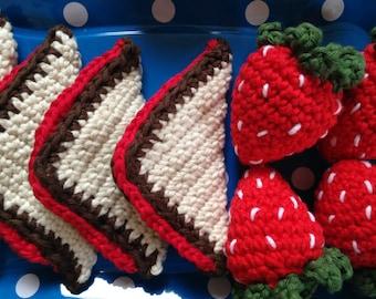 4 sandwich triangles - Crochet Play Food CE