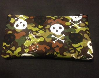 Skull and Crossbones on Camouflage Pencil Case / Zipper Pouch #172