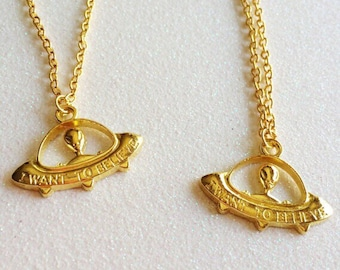 """Goldtone """"I Want to Believe"""" Necklace and Bracelet"""