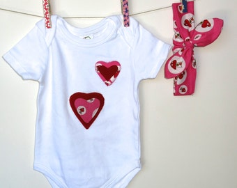 Organic baby bodysuit 3 -6 months / Organic Knotted Headband / baby girls bodysuit / baby romper with hearts / Organic baby clothes