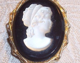 Black Glass and Frosted Cameo Brooch Pendant