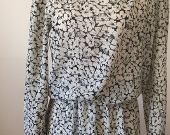 Flirty Vintage Black And White Floral Print Midi Dress With Long Sleeves by J. S. J. Size 4 Small