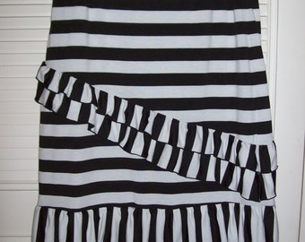 Vintage Black and White bright skirt, flouncy bouncy Medium, size 12