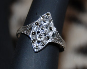 Vintage Mid-Evil Renaissance Marcasite 925 Sterling Marquise Cut Out Etched Gothic Edwardian Royal Ring #BKC-RNG126