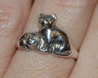 Vintage Sterling Two Cat Ring Mother Cat Cuddled Up With Kitten #BKC-KRNG93