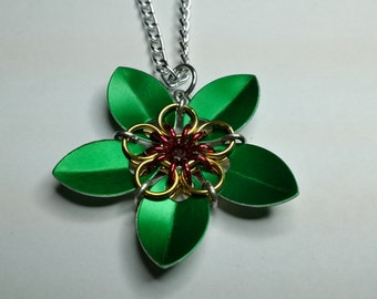 Chainmaille Celtic star flower pendant