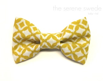 Mustard Toddler Clip on Bow Tie / Toddler Bow Tie / Yellow Bow Tie / Boy Clip on Bowtie / Yellow Toddler Bowtie / Mustard Child Bowtie/