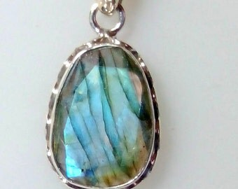 Natural High Blue Fire Labradorite Faceted Gemstone Handmade Pendant made in Solid 925 Sterling Silver Length 35 mm