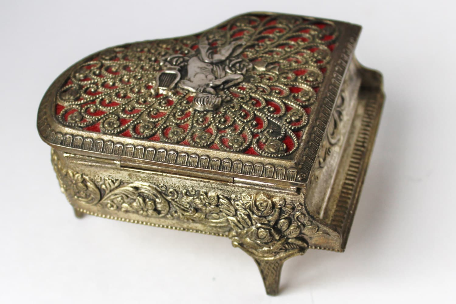 Antique vintage gold piano music jewelry trinket box red for Vintage antique jewelry box