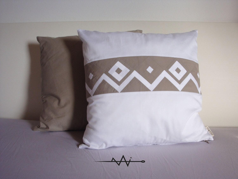 Cuscini stile nordico bianco e beige 2 cuscini decorativi - Cuscini decorativi ...