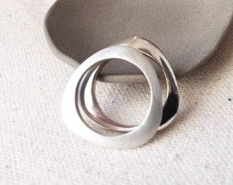 "G18-A ring shape ""Ellipse"", Sterling Silver Polished and brushed Sterling."