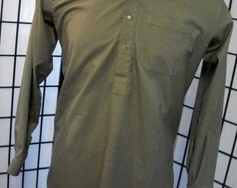 Men's Kurta green four button long sleeve with pockets