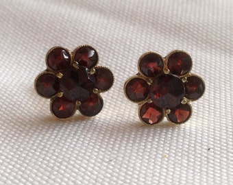 Pretty Antique Style Vintage 8K Gold & Garnet Post Back Earrings