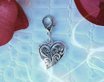 Zipper Pull.  Filigree Heart.  Silver with Lobster Clasp.