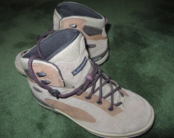 Womens LOWA highend hiking boots