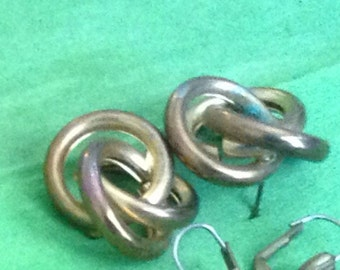Wow! Vintage Twisted Metal Earrings