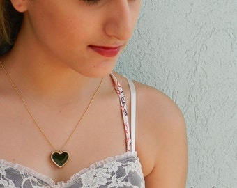 Black Heart Necklace. Beautiful romantic necklace, vintage style. Handicraft: porcelain, glazed in shades of black onyx