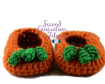 Pumpkin baby slippers, infant slippers, baby booties, infant booties, crochet booties, photo prop, handmade booties, baby shower gift