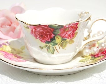 Pretty tea cup set. Large roses tea cup and saucer.Tea party/Bridal shower Favor/Princess Tea party/Shabby chic/ Cottage decor.