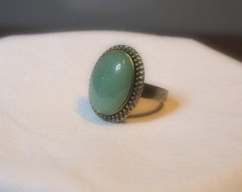 Adjustable retro bronze ring with jade stone