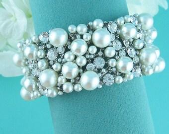 Bridal Cuff bracelet, rhinestone cuff wedding bracelet, rhinestone bangle bracelet, bridal jewelry, wedding accessories, bracelet 230862374