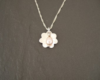 Flower pendant with a Freshwater pearl dangle