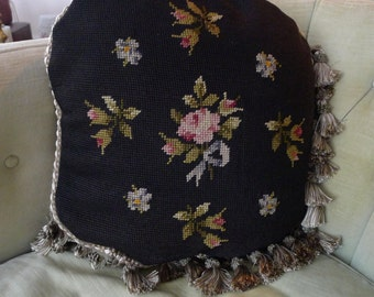 """Beautiful Floral """"Roses"""" Needlepoint Pillow Costume Made 14 1/2"""" Round with Tessels"""