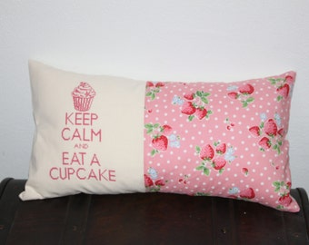 Home made pillow : keep calm and eat a cupcake