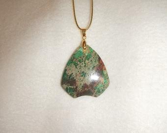Green Sea Sediment Jasper pendant necklace (JO188)