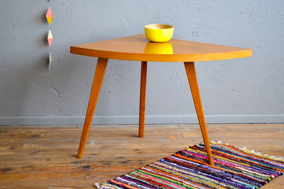 gu ridon vintage pi tement compas forme libre scandinave. Black Bedroom Furniture Sets. Home Design Ideas