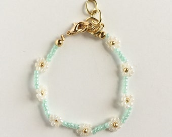Mint and Ivory Daisy Chain Bracelet