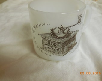 Vintage Milk Glass Mug Moor Man's 1885 Federal Glass Clean Bright
