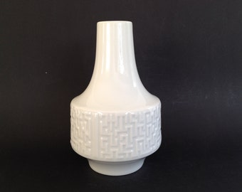 Heinrich & Co Selb Bavaria Mid Century Modern 1960s  Germany white Porcelain Relief structure vase.