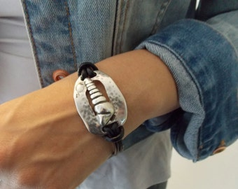 Leather Bracelet with Silver Zamak Metal Shell Component and Magnetic Clasp