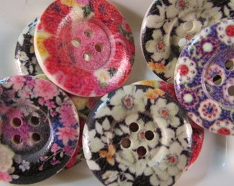 10 Painted Flower Buttons- 25mm- 1 Inch- Wood- Sewing- Scrapbooking- Jewelry Making- Crafts- Mixed Design