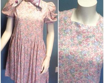 Lovely little summer vintage dolly dress