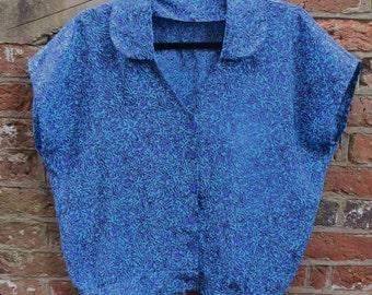 Vintage 1980's Turquoise, Blue and Black Satin Rayon Blouson Short-Sleeved Blouse / Lightweight Jacket Size Small/Medium