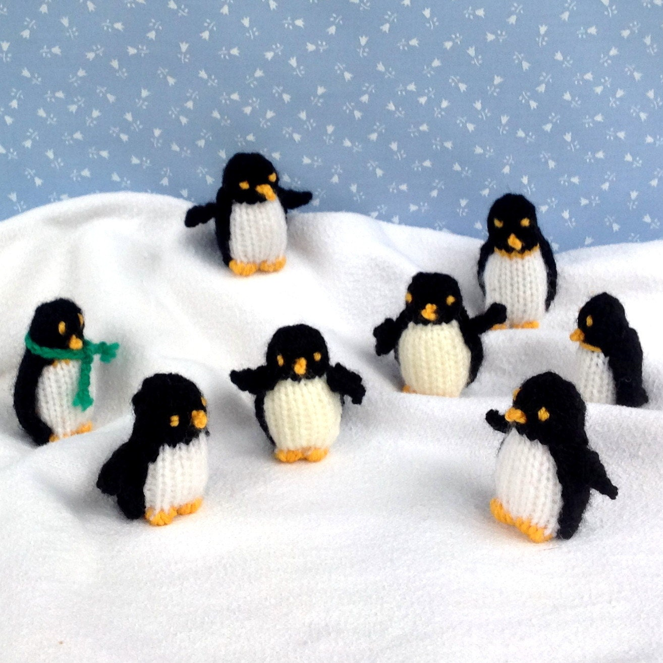 Knitting Pattern For Penguin : TINY PENGUINS knitted penguin knitting pattern Instant