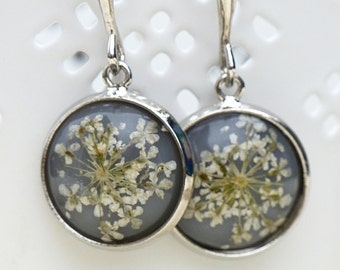 Real flowers earrings delicate & feminine