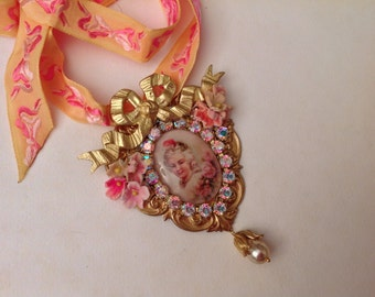 "Huge young Marie Antoinette's pendant,""Precious"", cabochon under glass ,swarovski ,bisque roses, Aurora borealis vintage swarovski row"