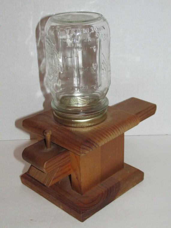 distributeur d 39 arachides bois vintage mason jar mason. Black Bedroom Furniture Sets. Home Design Ideas