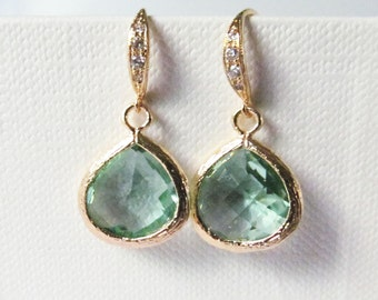 light green earrings sage green, bridesmaid earrings, olivine  jewelry erinite and gold, bridesmaids gift, wedding jewelry, prom jewelry
