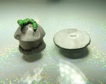Miniature Hobbit House Pewter 2 Piece Thimble Rare Vintage