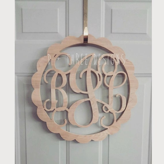 22 Inch Scallop Circle Wooden Monogram Letters Home Decor