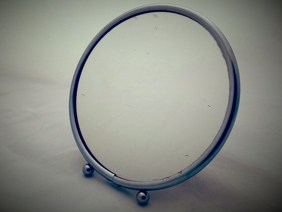 Small mirror round Barber. Former Barber metal chrome mirror. to hang ...