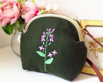 Handmade embroidery flower woolen Metal frame purse/coin purse / handbag /Pouch/clutch/tote bag/ Kiss lock frame bag